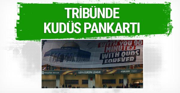 Başakşehir'den Filistin'e destek pankartı