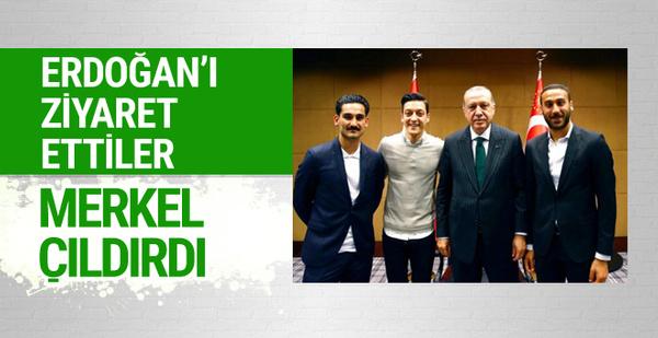 Futbolcular Cumhurbaşkanı Erdoğan'ı ziyaret etti Merkel çıldırdı