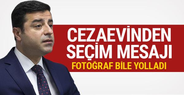 Demirtaş'tan iddialı seçim mesajı! Cezaevinden fotoğraf yolladı