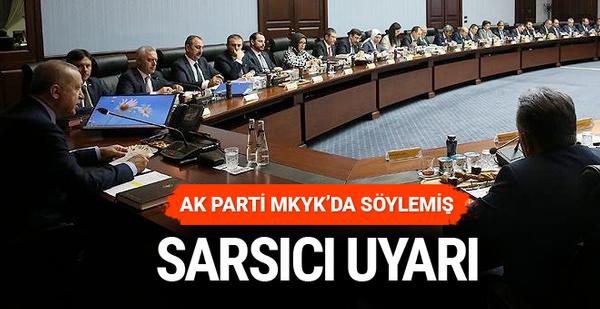 Erdoğan kurmayların yüzüne söyledi böyle gidemeyiz