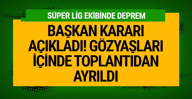 Antalyaspor'da deprem! Başkan ağlayarak toplantıyı terketti