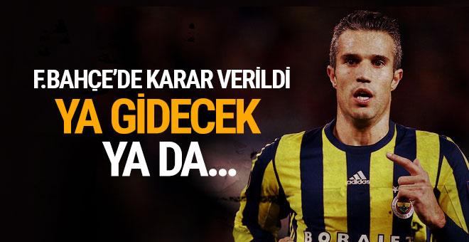 Fenerbahçe'de Robin van Persie belirsizliği bitiyor