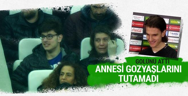 Beşiktaşlı yıldız gol attı annesi gözyaşlarına boğuldu