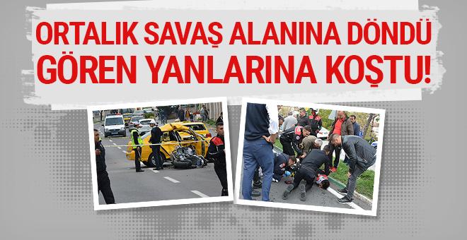 Ortalık savaş alanına döndü: Kazayı gören yanlarına koştu!