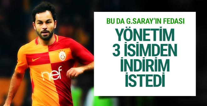 Galatasaray 3 oyuncudan indirim istedi