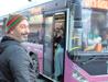 Otobüs durağında Cem Yılmaz şaşkınlığı!