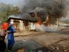Myanmar'da 2 cami 50 ev yakıldı