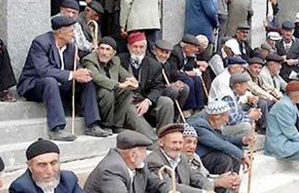 Emeklilikte yaşa takılanlar ölüm orucunda!