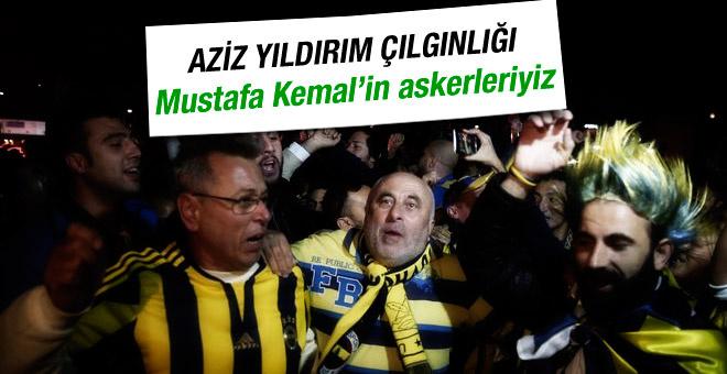 Fenerbahçeli taraftarlardan Aziz Yıldırım'a sevgi gösterisi
