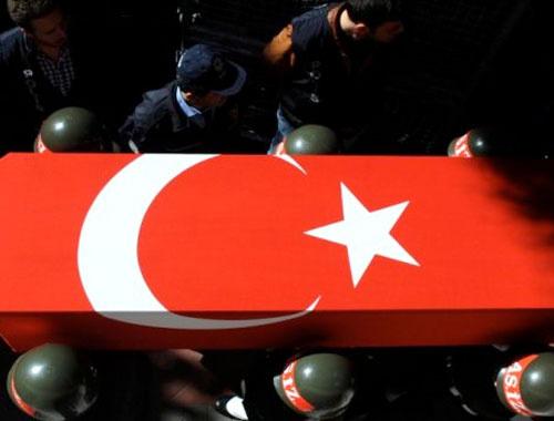 Diyarbakır'da polis şehit oldu