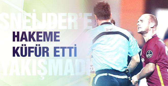 Sneijder'den hakeme küfür