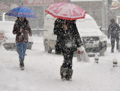 İstanbul hava durumu! Kar var bu saatlere dikkat!