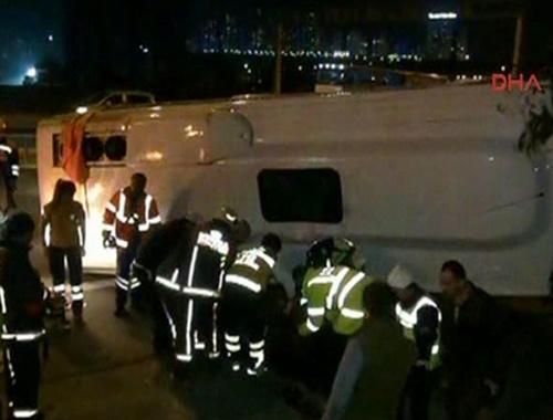 TEM'de korkutan kaza: 1 ölü 17 yaralı