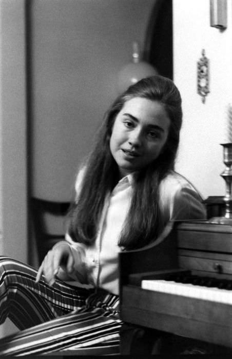 Hillary Clinton'ın ne kadar güzelmiş gençliğine bakın!