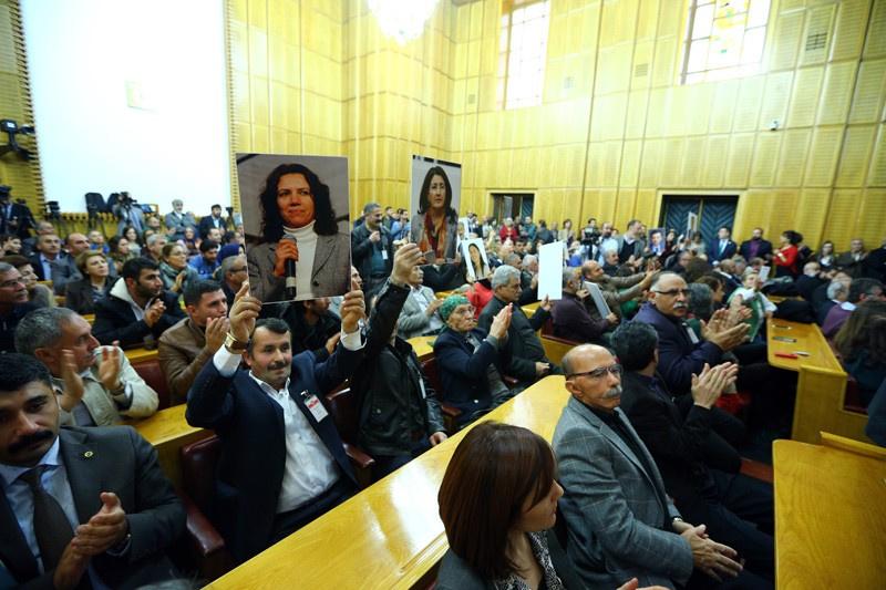 Yabancı büyükelçiler HDP grubuna koştu