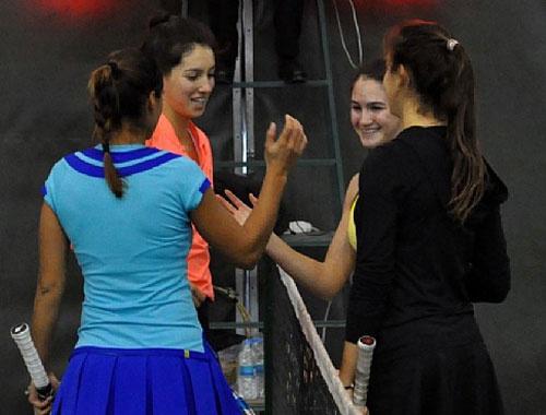 İpek-Melis çifti çeyrek finalde