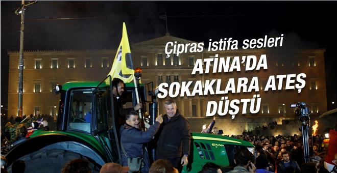 Yunanistan'da çiftçiler polisle çatıştı!