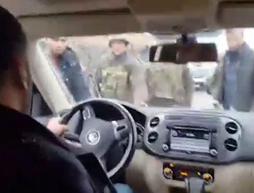 HDP'li vekil aracını askerin üzerine sürdü