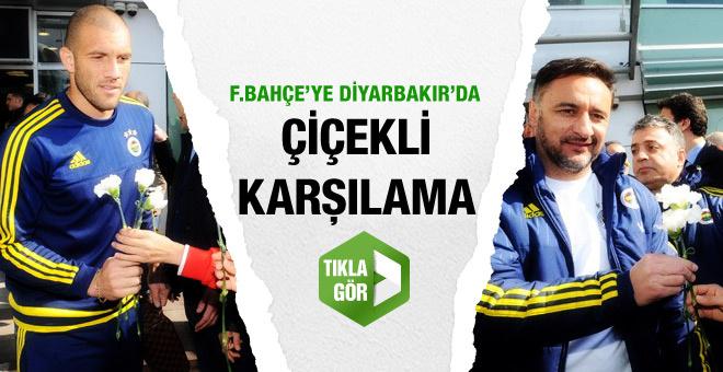 Fenerbahçe Diyarbakır'da çiçeklerle karşılandı