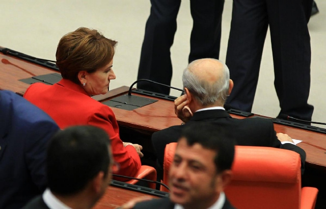 Meral Akşener'e ihraç istemi MHP düğmeye bastı