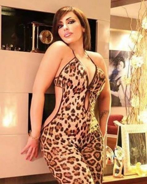 Adnan Oktar'ın kediciği Esra Saraçoğlu pes dedirtti