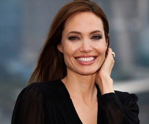 Angelina Jolie üniversitede ders verecek