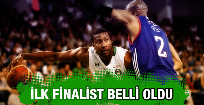 Anadolu Efes finale yükselen ilk takım