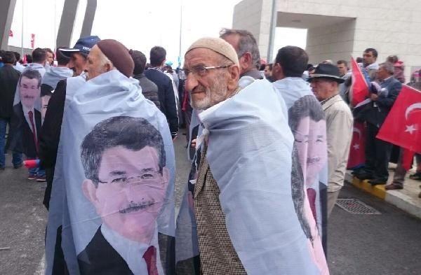 Davutoğlu'nu Konya'da bekleyen sürpriz! Bakın kim karşıladı