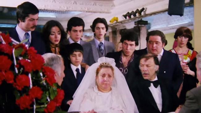 Oya Aydoğan'ın 4 gün süren sır evliliği hem de bakın kiminle?