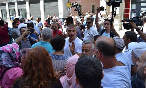 İstiklal Caddesi'nde gerginlik! Polis müdahale etti