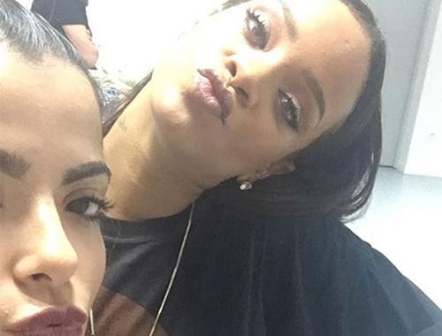 Rihanna Türkçe konuştu! Sosyal medya sallandı