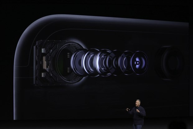 iPhone 7 ve iPhone 7 Plus çıktı işte görüntüleri