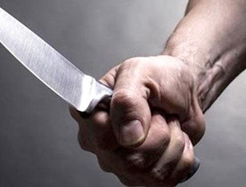 Boşanma davası açan eşini sokak ortasında öldürdü