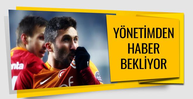 Galatasaray'da Sabri Sarıoğlu yeni sözleşme bekliyor