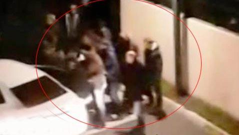 İşte Reina teröristinin binadan çıkarıldığı o an!