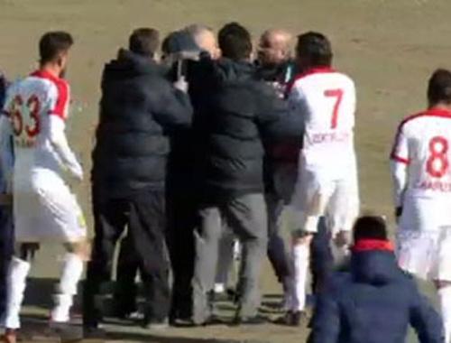 Osmanlıspor - Antalyaspor maçında tartışma yaratan karar