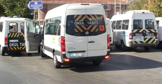 Sivas'ta öğrenci servisini durduran polis şok yaşadı!