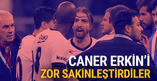 Beşiktaş-Trabzonspor maçında Caner Erkin'i zor sakinleştirdiler