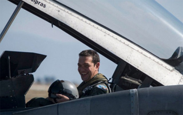 Yunanistan Başbakanı Çipras, F-16 ile Ege'de uçtu!