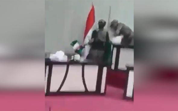 Kerkük İl Meclisi'ndeki Kürdistan bayrağı indirildi