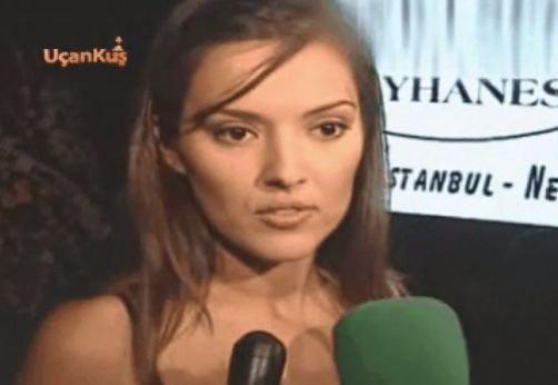 Hülya Avşar havuzda çırılçıplak spor yaptı skandal görüntüler