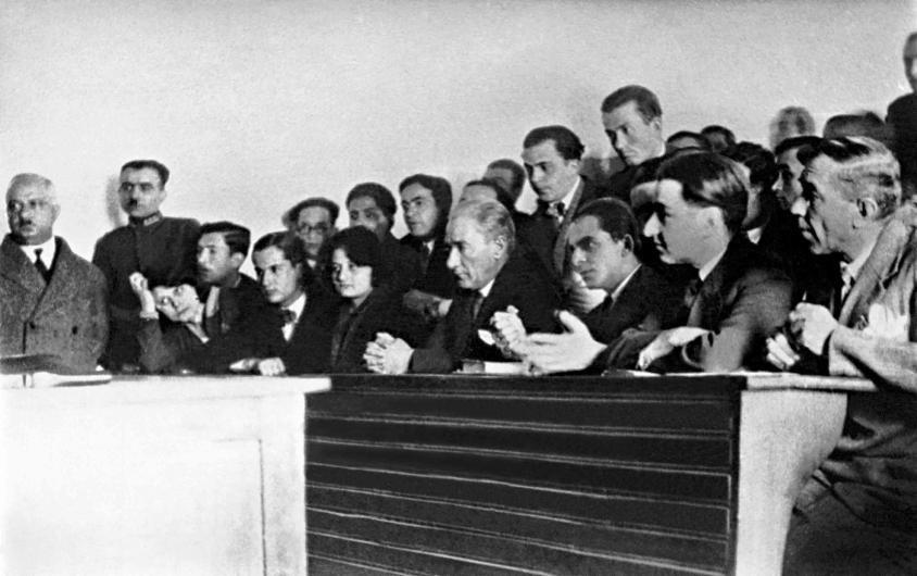 Mustafa Kemal Atatürk'ün az görülmüş fotoğraflarına bakın