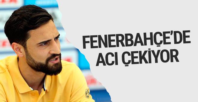 Mehmet Ekici Fenerbahçe'de acı çekiyor!