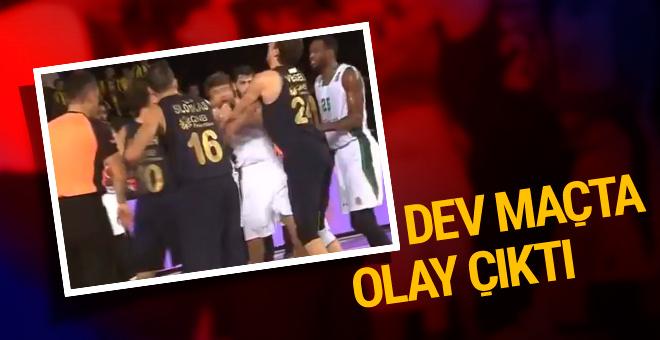 Darüşşafaka – Fenerbahçe Doğuş maçında olay çıktı
