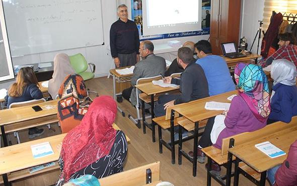 İranlı gelen turistleri anlamak için Farsça öğrenmeye başladılar