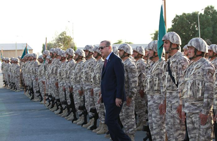Askerlerimiz Katar'da Erdoğan'ı böyle karşıladı! Dikkat çeken detay