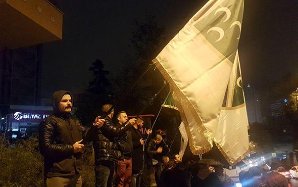 Boşnaklardan Rasim Ozan Kütahyalı protestosu
