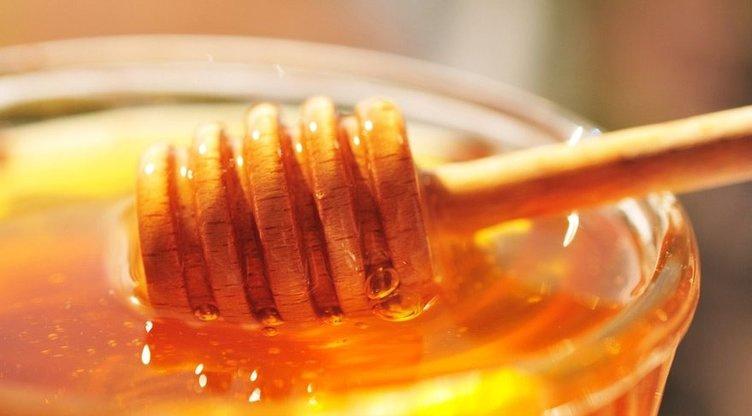 1 yemek kaşığı balla çeyrek çay kaşığı tarçını karıştırırsanız