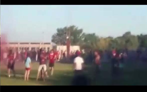 Arjantin'de oynanan maçta, polis plastik mermilerle futbolcuları vurdu