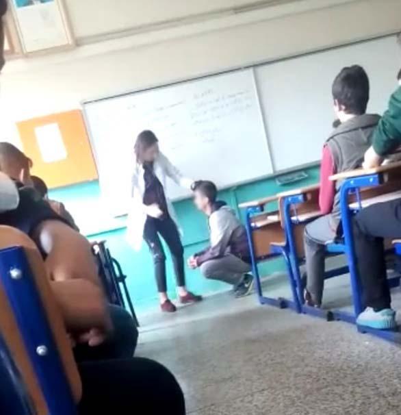 Samsun'u sallayan görüntü! Kadın öğretmen öğrenciyi çöktürüp...
